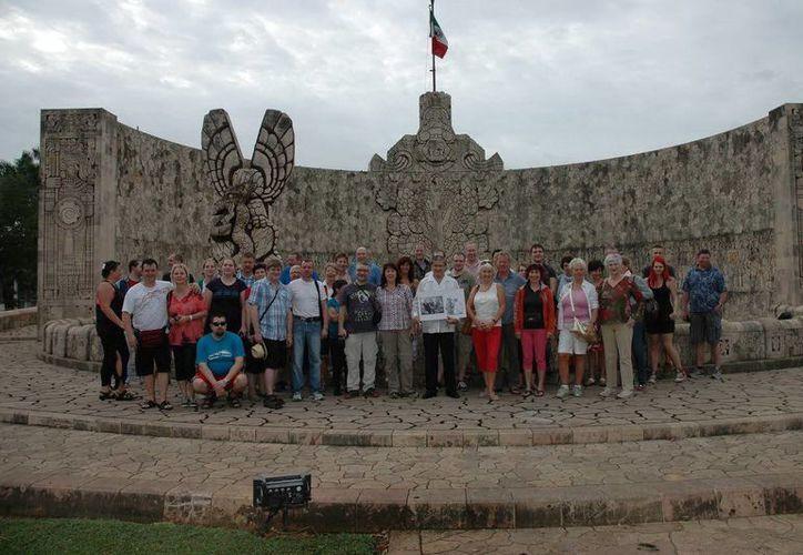 Uno de los emblemas de la ciudad de Mérida es sin duda el Monumento definido por el historiador Raúl Alcalá Erosa como 'Las Piedras Parlantes' de Rómulo Rozo. (Sergio Grosjean/SIPSE)