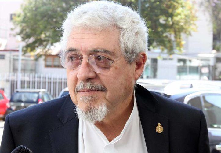 Por sus más de 70 obras publicadas y una larga trayectoria en la enseñanza y difusión de la literatura, el escritor Felipe Garrido fue galardonado con ser galardonado con el Premio Nacional de Ciencias y Artes 2015. (Archivo Notimex)