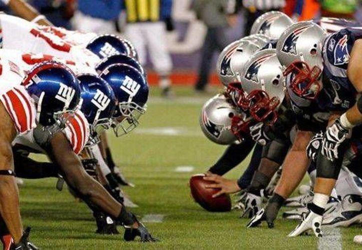 Debido a la historia reciente en los Superbowls entre Patriotas y Gigantes, se enfrentarán este domingo para rememorar los enfrentamientos en los Super Bowl XLII y XLVI, ambos ganados por los neoyorquinos. (Archivo AP)
