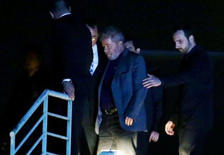 Luiz Inácio Lula da Silva fue ingresado a una cárcel federal en la ciudad de Curitiva. (AFP)