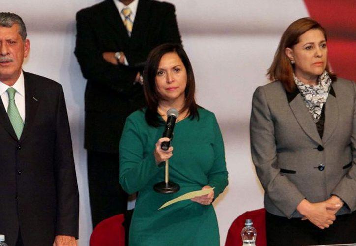 Cristina Díaz dijo que respeta la decisión de Elba Esther Gordillo, pero insistió en que la reforma es urgente para el desarrollo del país. (Agencia Reforma)