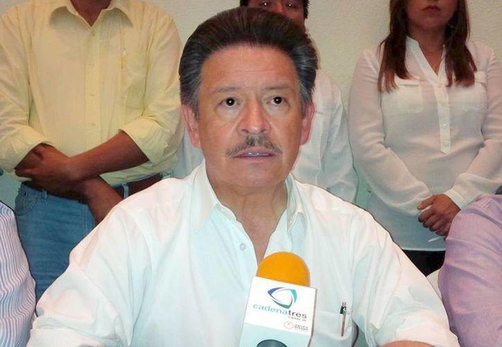 Carlos Navarrete, líder nacional perredista, dijo que Mancera es un buen candidato para el PRD, aunque no el único. (Notimex)