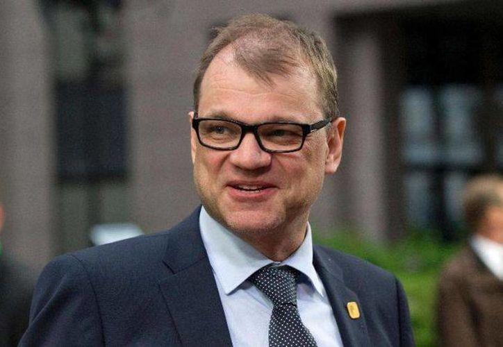 Juha Sipila, primer ministro de Finlandia, ofreció junto con su esposa una segunda casa que la pareja tiene en la ciudad de  Kempele. Esto con la intención de ayudar a los refugiados que huyen de los conflictos en Oriente Medio y el este de Europa. (Archivo de AP)