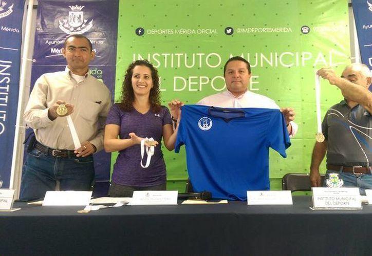 Imagen de la rueda de prensa para la presentación de la XX Copa Mundial de Gimnasia Mérida 2015. (Milenio Novedades)