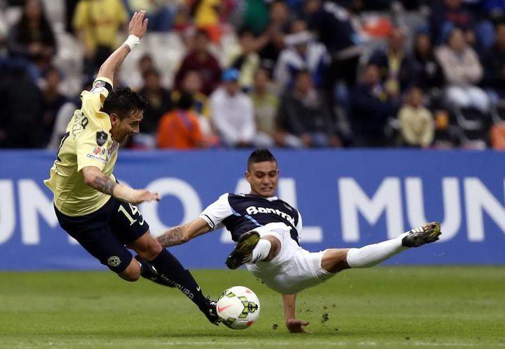 América (i) es uno de los cuatro equipos mexicanos que jugarán la próxima Concachampions y que hoy conocieron a sus rivales. (Foto de archivo de Notimex)