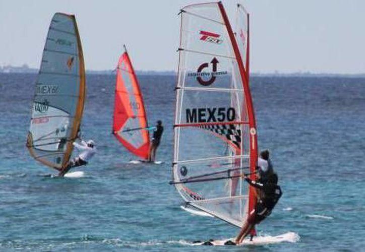 La laguna de los siete colores tienen las características para practicar el deporte. (Carlos Horta/SIPSE)