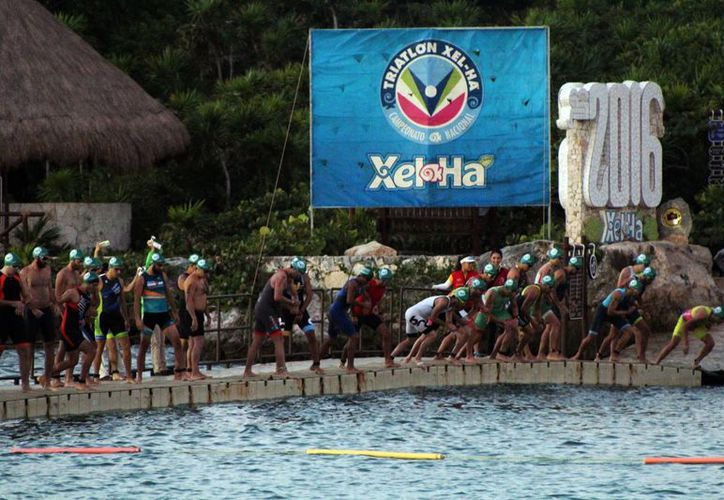 Se realizó ayer otra edición del campeonato nacional de triatlón. (Raúl Caballero/SIPSE)