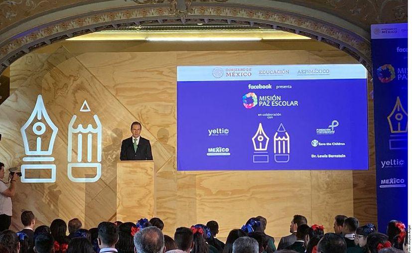 Esteban Moctezuma estuvo presente en el lanzamiento del programa. (Foto: Reforma)