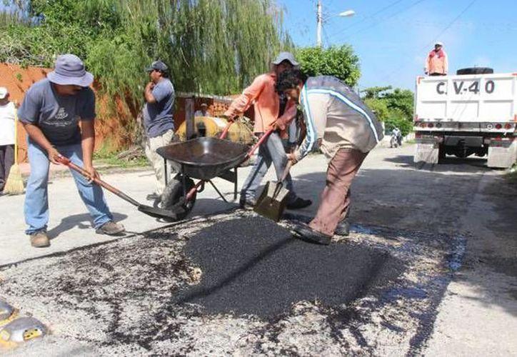 Por primera vez se incluyen trabajos en calles ubicadas en colonias y comisarías meridanas. (Novedades Yucatán)