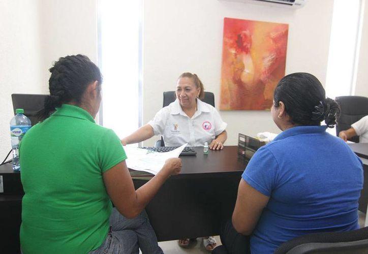 El Centro de Justicia para Mujeres (foto) puede emitir órdenes de protección contra mujeres que son víctimas de violencia intrafamiliar. De marzo a julio, ya emitió 88 órdenes. (Imagen de ontexto/Oficial)
