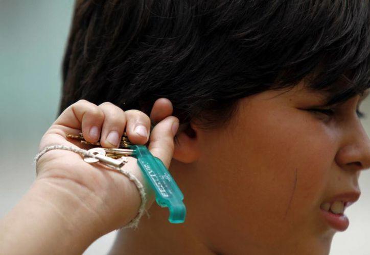 Una infección puede provocar la disminución auditiva, secreción de pus, dolor, fiebre, incluso sordera permanente. (Juan Albornoz/SIPSE)