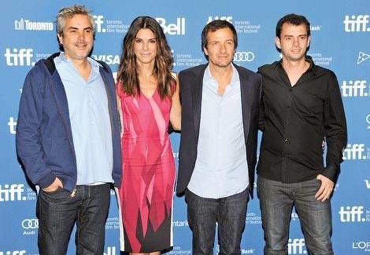 Alfonso Cuarón, Sandra Bullock, David Heyman y Jonás Cuarón. (Agencias)