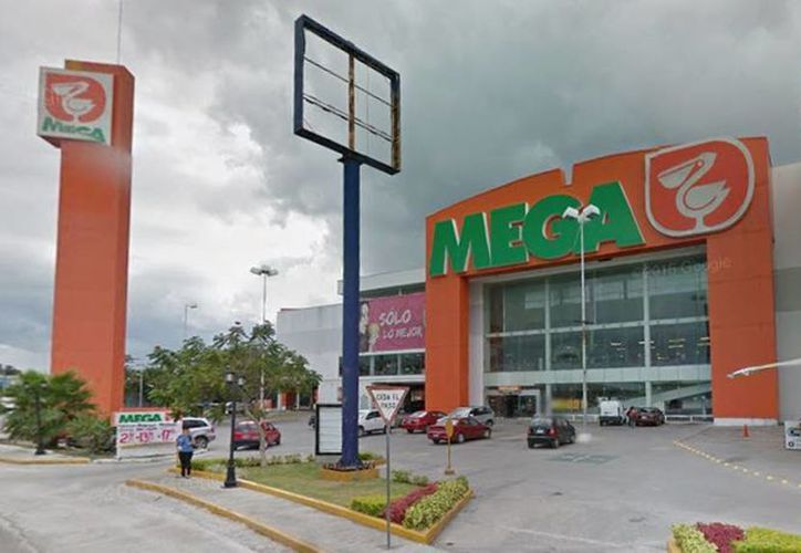 La operación entre Soriana y Comercial Mexicana sería riesgosa para la competencia y podría ocasionar un incremento de precios. Imagen de la sucursal de Comercial Mexicana ubicada en el norte de Mérida.(Google maps)