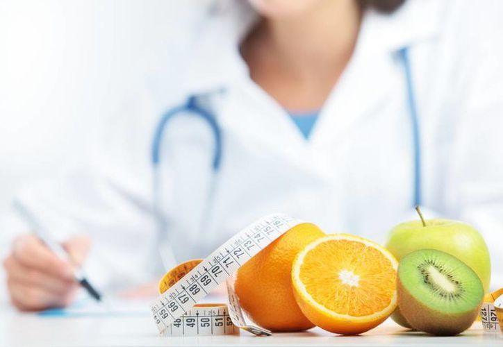 El SAT dijo que desde este 2017 devolverá impuestos a los contribuyentes que deduzcan gastos de nutriólogo. (Conexiones)