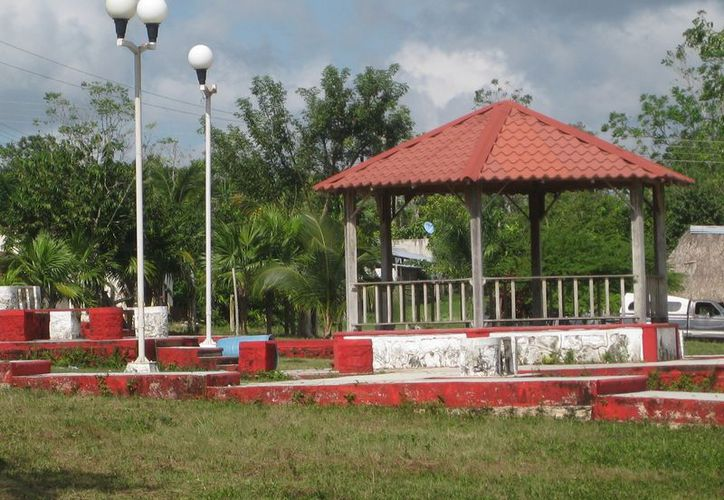 Dos comunidades de Bacalar contarán con parques nuevos. (Javier Ortiz/SIPSE)