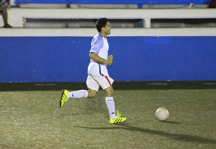 Este viernes se jugaron las semifinales de la Liga de Futbol Rápido de Veteranos del Sutage. (Foto: Miguel Maldonado /SIPSE)