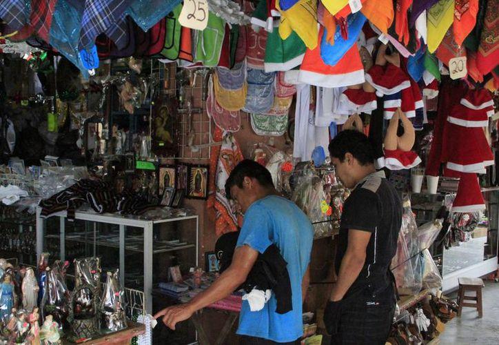 Los asistentes podrán encontrar una variedad de productos y servicios relacionados con la temporada navideña. (Ángel Castilla/SIPSE)