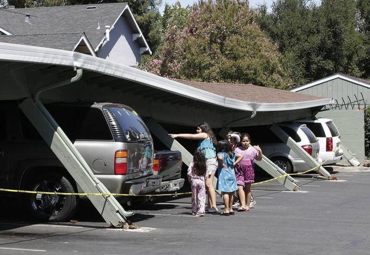 Un sismo de 6.0 grados sacudió los condados de Napa y Sonoma, California, dejando decenas de personas heridas. (AP)