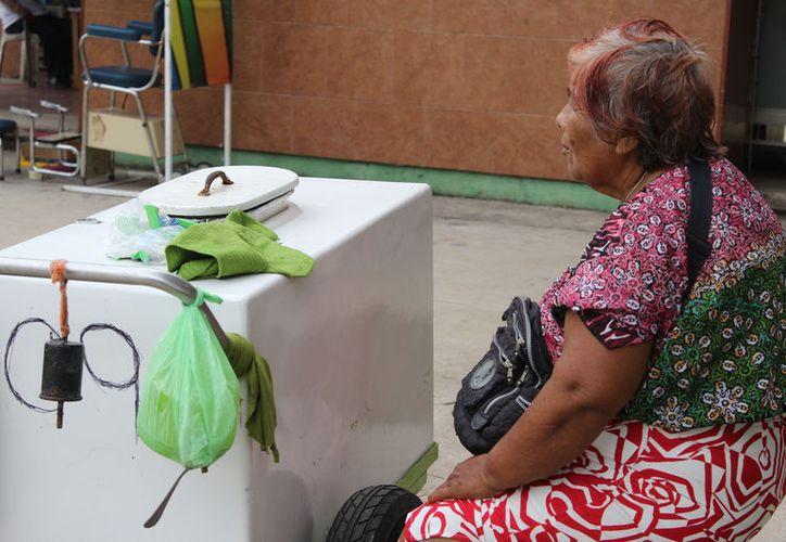La alimentación, estudios, gastos médicos y una vivienda digna, es lo más demandado por la sociedad. (Joel Zamora/SIPSE)
