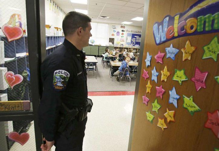 Las escuelas en Estados Unidos han estado buscando seguridad tras el ataque al Sandy Hook en Newtow. (Agencias)