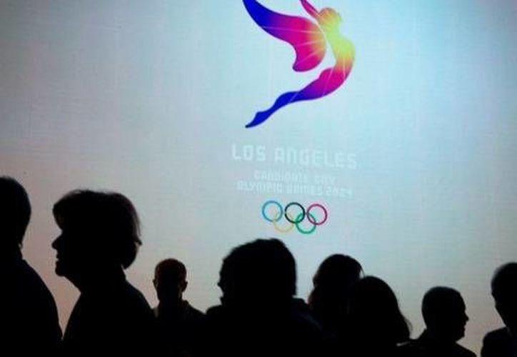 Logo de los Juegos Olímpicos de Los Ángeles 2024, la cual aún compite para obtener la sede junto a París, Roma y Budapest. (AP)