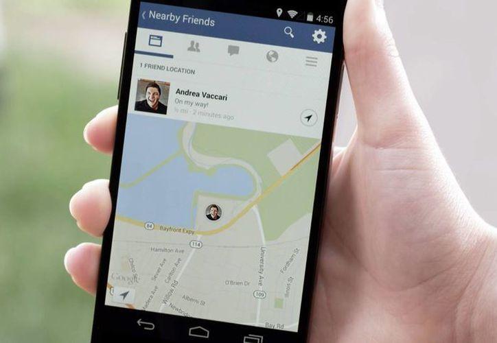 La aplicación utiliza el sistema GPS del smartphone para avisar a los contactos que uno está cerca. (Agencias)