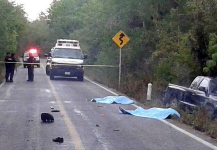 La mayoría de los accidentes de tránsito sucedieron en las carreteras del interior del Estado. Imagen de contexto de un mortal accidente, en uno de los municipios de Yucatán. (Milenio Novedades)