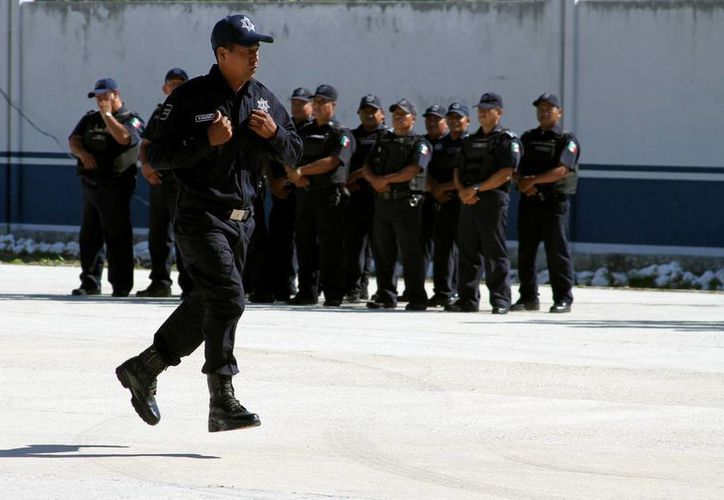 Los 250 nuevos elementos policiales serán dados de alta sólo si aprueban las evaluaciones de confianza. (Daniel Pacheco/SIPSE)