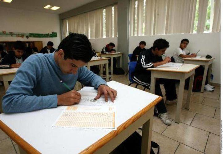 Como parte de la evaluación a los aspirantes a consejeros electorales locales, deberán redactar un ensayo al momento del examen. (Archivo/SIPSE)