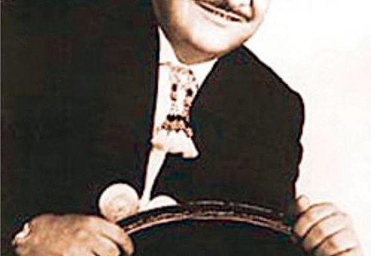 José Alfredo Jiménez, prolífico autor de más de 300 canciones representativas de la música popular mexicana. (Agencias)