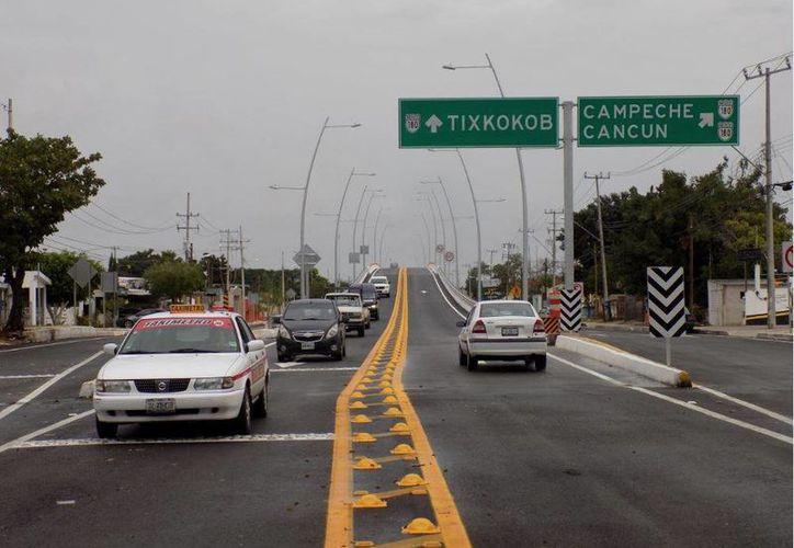 El Distribuidor Vial 'Tixkokob, situado en el kilómetro 17 del Anillo Periférico, fue abierto a la circulación este sábado. (Foto cortesía del Gobierno de Yucatán)