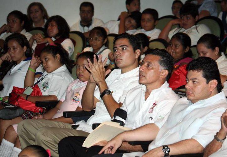 En la serie de conferencias participaron niños y jóvenes de Morelos, Zacatecas y Cancún. (Cortesía/SIPSE)