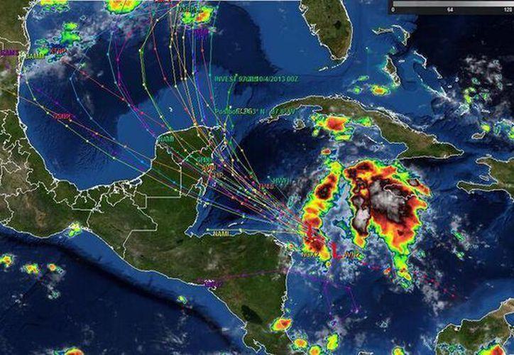 Mapa de las posibles trayectorias de la baja presión que se ubica e en el Caribe. (@ClimaYucatán)