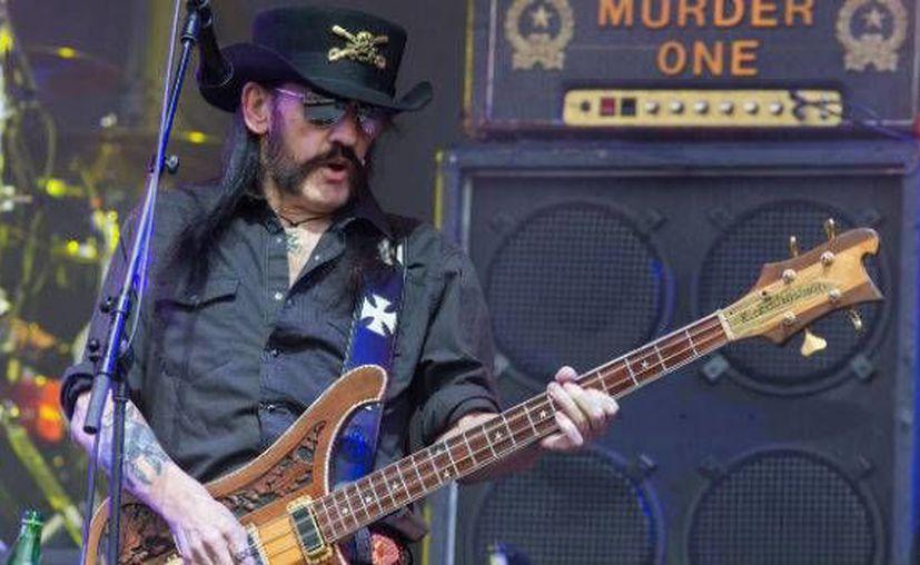 Lemmy Kilmister lideró a la legendaria bande de heavy metal Motörhead hasta el final de sus días. Kilmister falleció este lunes. (Archivo AP)