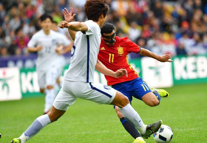 Los españoles golearon 6-1 a Corea del Sur en partido amistoso. (AP)