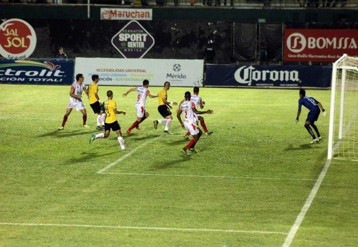 Escasas acciones de real peligro hubo a lo largo de los 90 minutos en el partido entre el Nexaca y Venados. (Jorge Acosta/SIPSE)