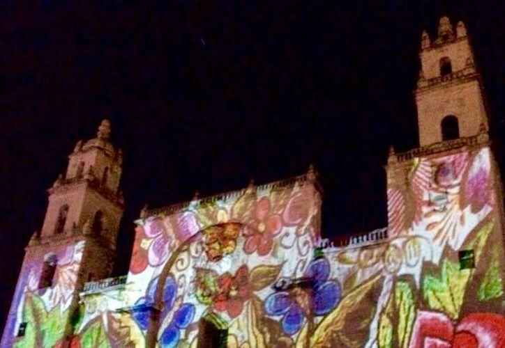 El videomapping, una herramienta que atrae al turismo, volverá a aplicarse en Mérida. (Foto cortesía del Ayuntamiento de Mérida)