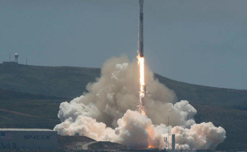 La FCC también autorizó a otras empresas a lanzar varios centenares de satélites. (Foto: Internet)