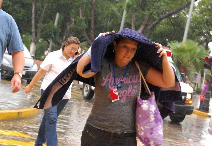 La lluvia ha sido intermitente en Mérida. (Wilberth Argüelles/SIPSE)
