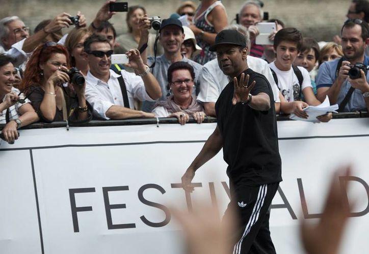 Denzel Washington dijo que celebraría el Premio Donostia bebiendo agua. (AP)