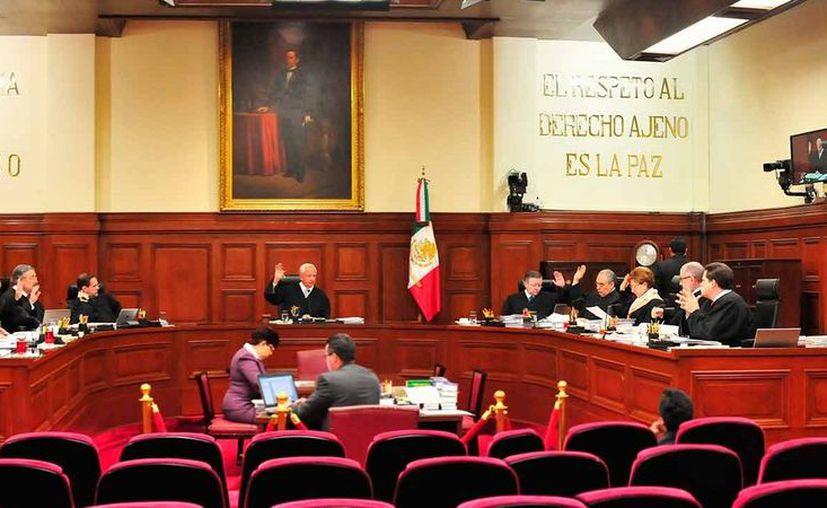 Los ministros Alberto Pérez Dayán, Eduardo Medina Mora y Margarita Luna Ramos se opusieron a levantar la suspensión. (Redacción)