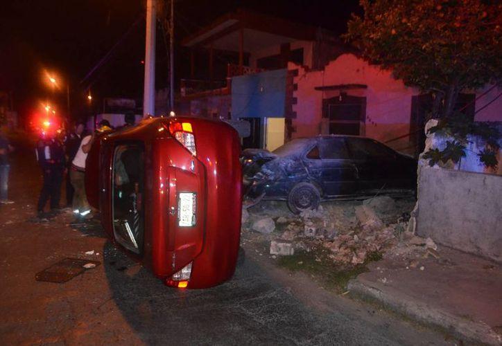 Minelia resultó lesionada y con una gran cuenta por pagar debido a los graves daños que causó debido al exceso de velocidad. (Carlos Navarrete/Milenio Novedades)