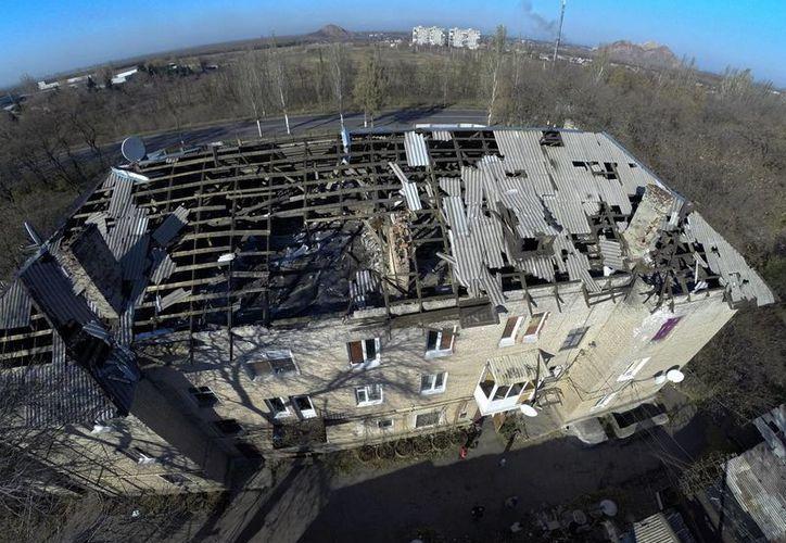 La exportación de gas ruso a la Unión Europea ayudará a paliar el crudo invierno que está por llegar a Ucrania, donde hay muchas casas dañadas y expuestas al frío debido a bombardeos.  (Foto: AP)