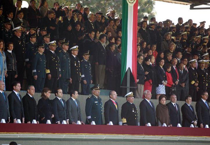 El Presidente encabezó los actos conmemorativos al 102 aniversario de la Revolución Mexicana. (Notimex)