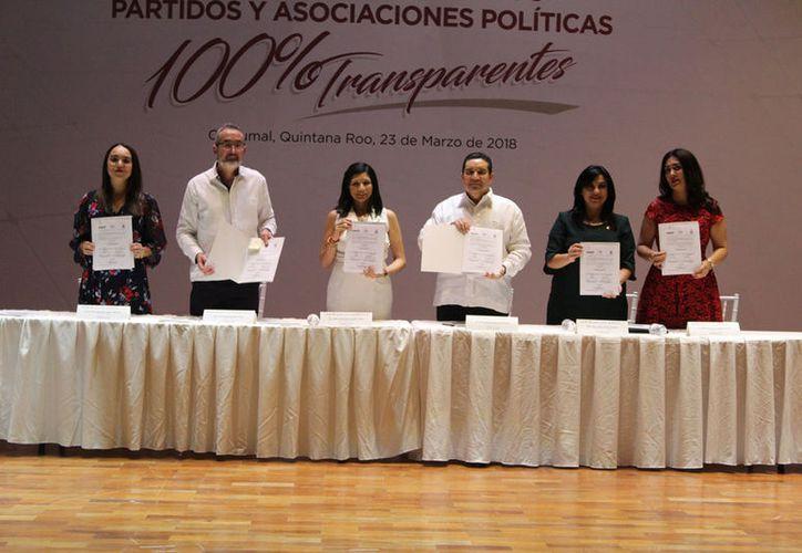 en el mismo acto, el Idaip firmó un convenio con el Instituto Electoral y el Tribunal Electoral de Quintana Roo. (Joel Zamora/SIPSE)