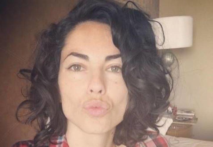 Bárbara Mori participó en la cinta 'Treintona, soltera y fantástica', que  7 de octubre saldrá en las salas de México. (Twitter)