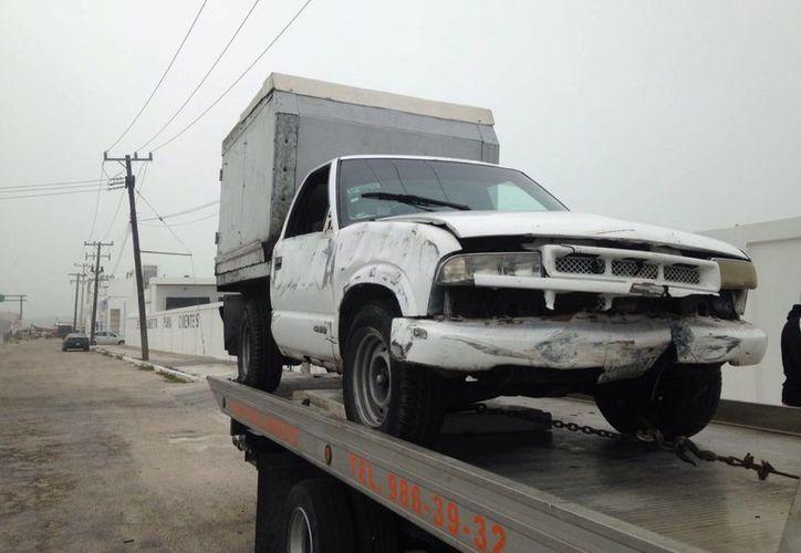 Tras el incidente elemento de la Policía municipal y estatal llegaron al lugar. (Gerardo Keb/SIPSE)
