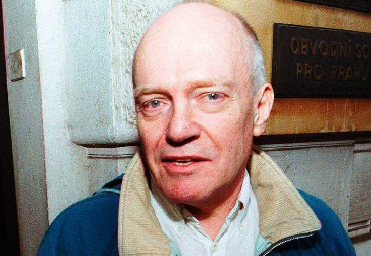 En la Corte de Southwark, Londres, Chris Denning aceptó ser culpable de 29 cargos de abusos sexuales y negó otros 12 en su contra. (Europics)