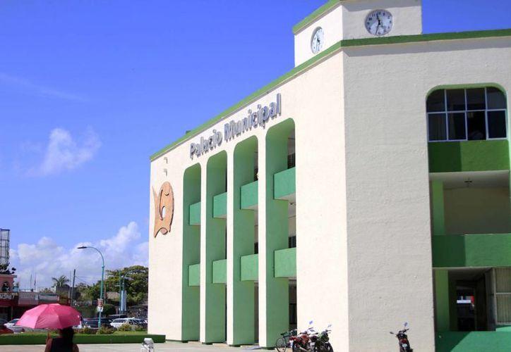 La Contraloría Municipal de Othón P. Blanco brindará información y capacitará a los dos mil 300 empleados del Ayuntamiento. (Harold Alcocer/SIPSE)