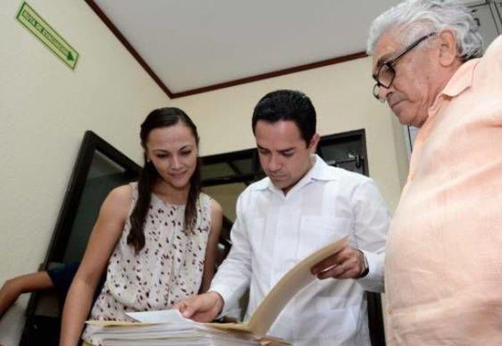 """Los diputados integrantes de la XIV Legislatura invitan a los ciudadanos a visitar el Archivo General y Biblioteca """"Luis de la Hidalga Enríquez"""". (Cortesía/SIPSE)"""